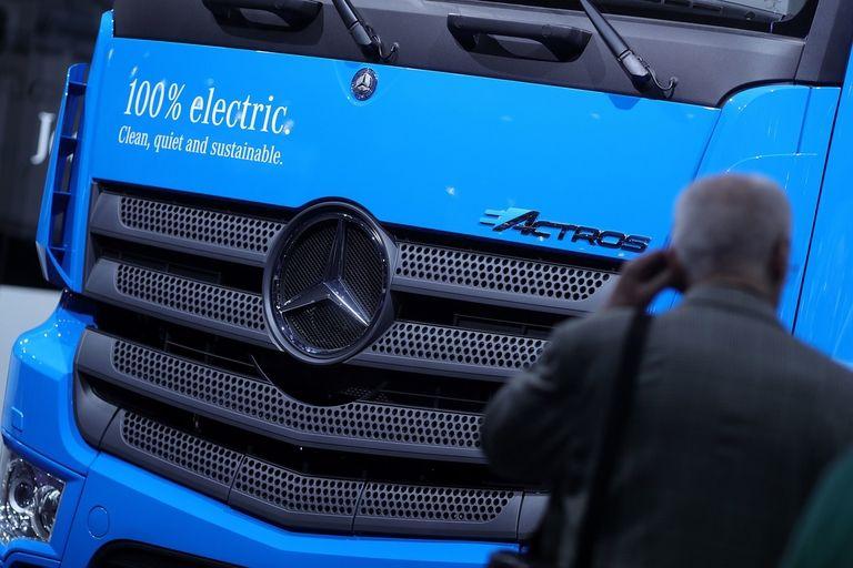 Daimler Truck expands partnership with CATL