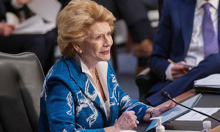 Senator: Incentivize, don't mandate, EVs