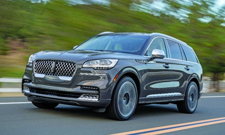 The 2020 Lincoln Aviator's lights can change based on vehicle speed.