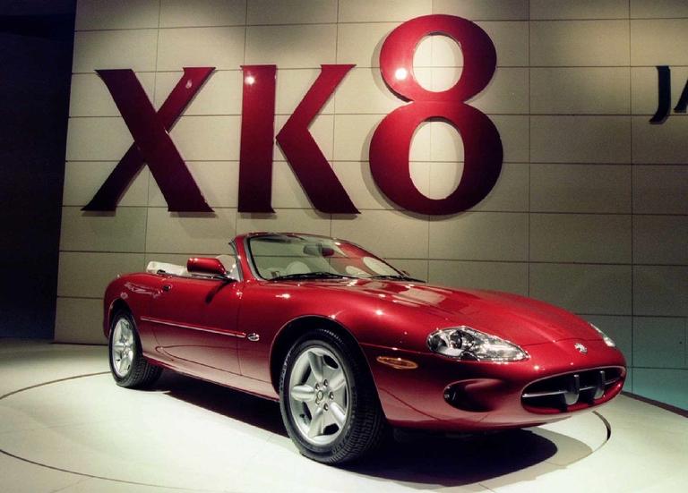 Jaguar XK8 convertible makes world debut in New York