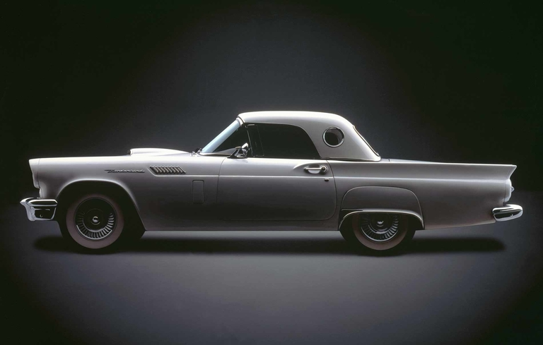 Ford drops 2-seat Thunderbird for 'Square Bird'