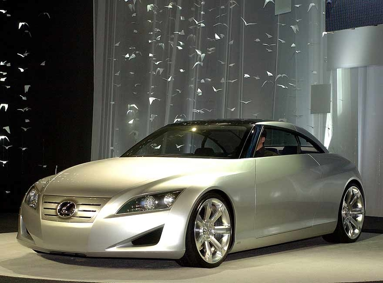 Lexus previews second-gen IS sport sedan with 2004 LF-C concept