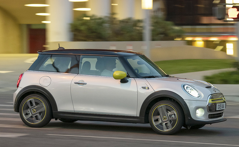 2020 Mini Cooper SE: A little juice box that sparkles when needed