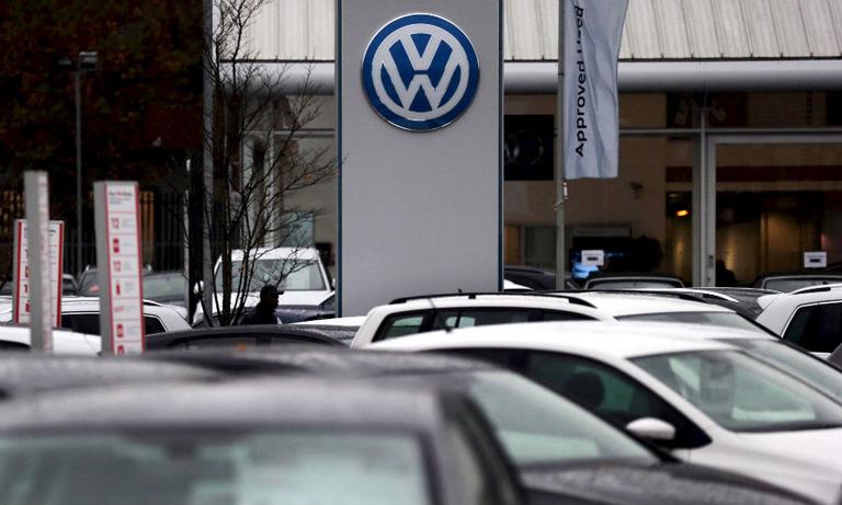 VW dealer rtrs web.jpg
