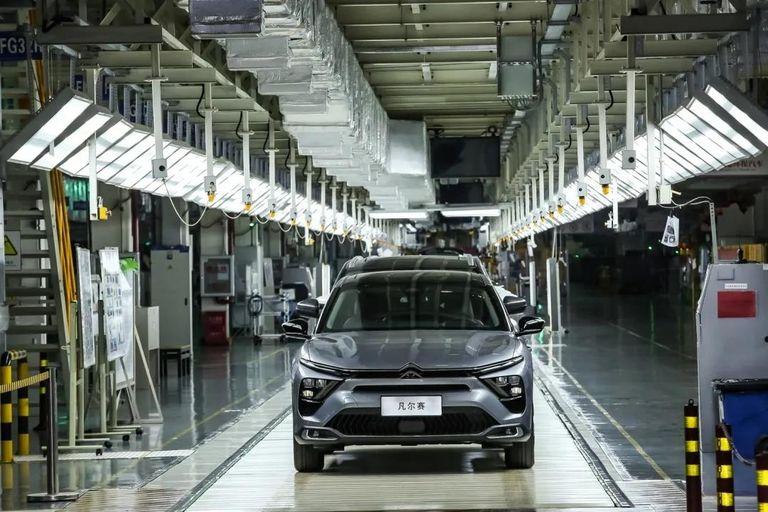 PSA launches Citroen C5 X output at Chengdu plant