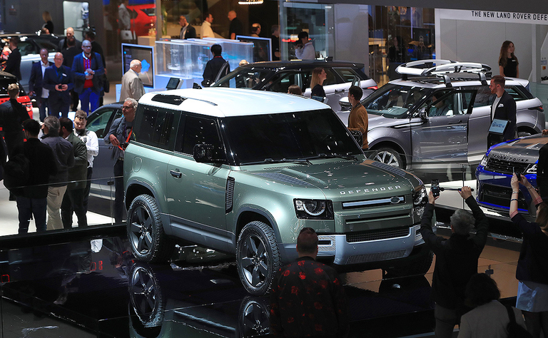 Collars, riffs and heritage: The 2020 Land Rover Defender and what people are saying