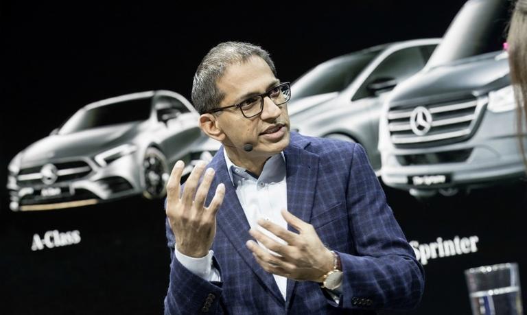 Daimler Sajjad Khan 5_0.jpg