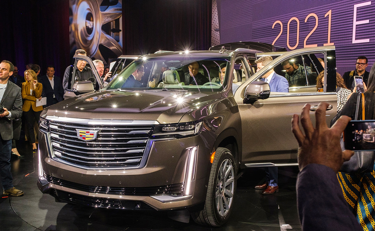 Overbites, less bling and a defiant badge: What people are saying about Cadillac's 2021 Escalade