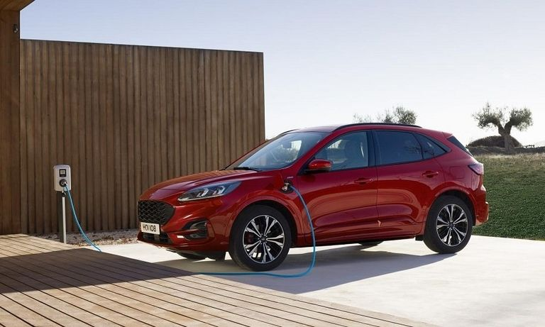 FORD_KUGA_plug in web.jpg