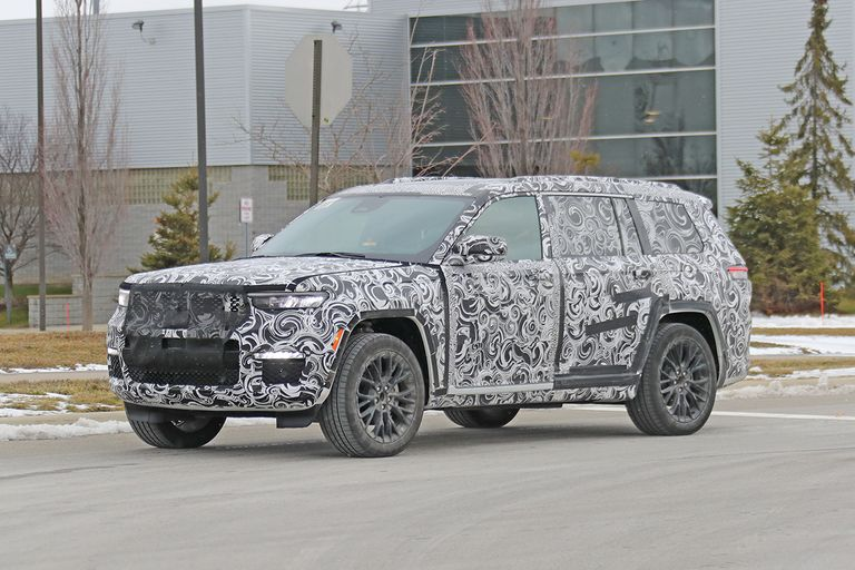 Spy photo of the new Jeep Grand Cherokee 3-row with camo cover