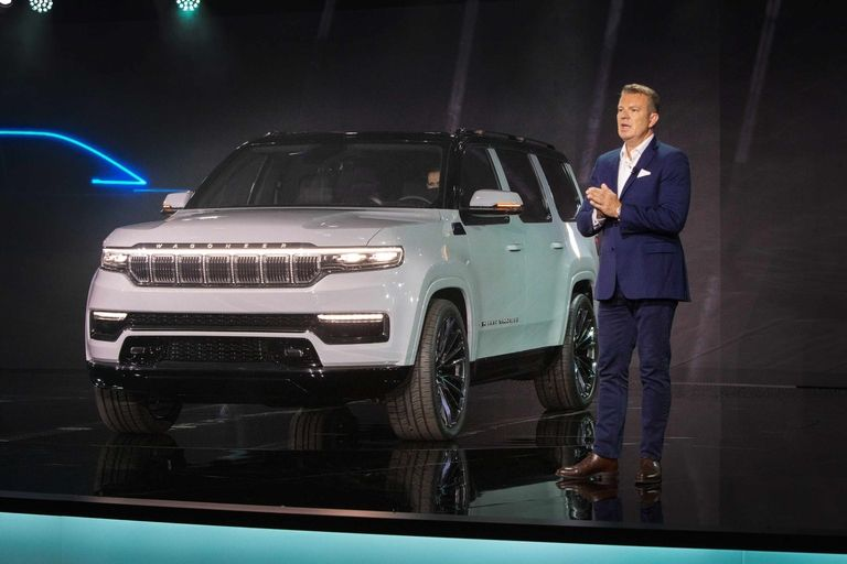 Aurora borealis, Christmas trees and Easter eggs: What people are saying about Jeep Grand Wagoneer