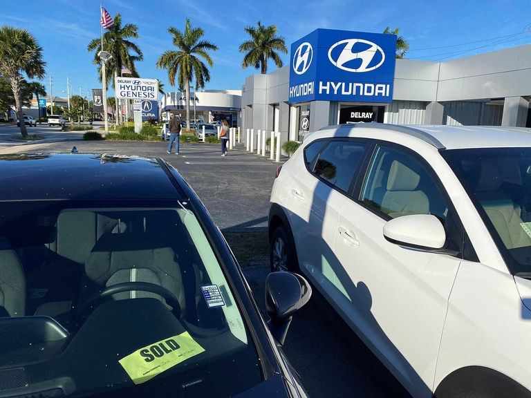 HYUNDAI-KIA: Record CUV volume drives Dec. rise