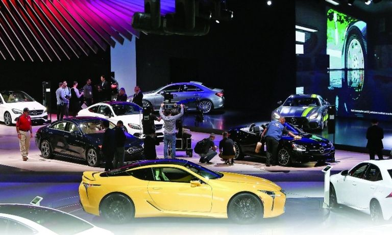 The floor of the 2018 Los Angeles Auto Show. The pandemic led organizers to move this year's event from November to next May.