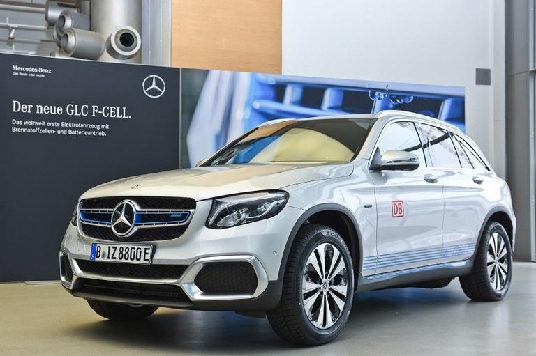 Mercedes GLC F-CELL.jpg