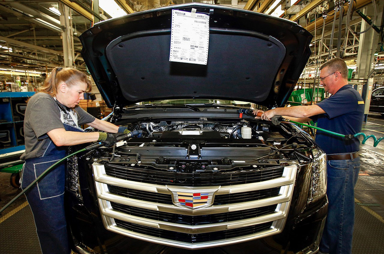 For GM, a delicate balancing act to bolster liquidity