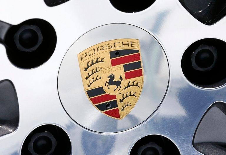 Porsche wheel rtrs.jpg