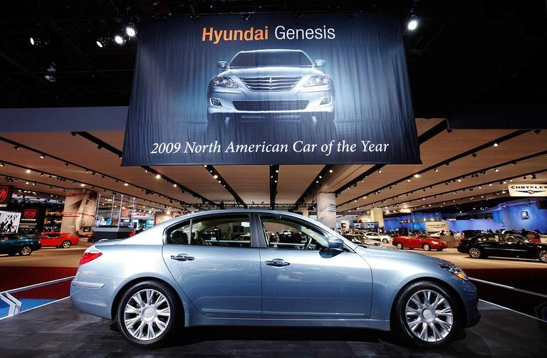 Hyundai snags first N.A. Car of the Year honors with Genesis in 2009