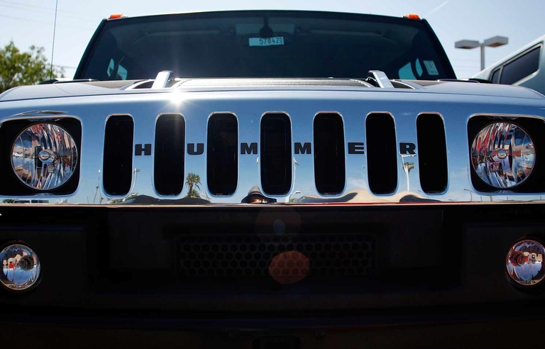 GM to revive Hummer name with electric pickups, SUVs