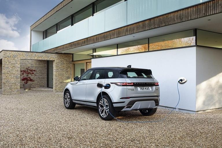 Range Rover Evoque plug in web.jpg
