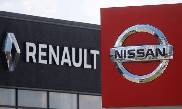 Renault and Nissan logos