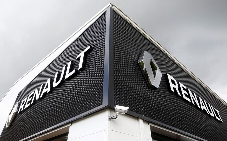 Renault dealership web rtrs.jpg