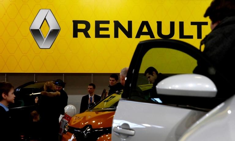 Renault backs Nissan's move to give it boardroom seats