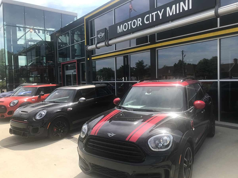 Mini Financial sets one rate for every customer
