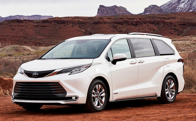 Swagger wagon and bullet train: What people are saying about 2021 Toyota Sienna