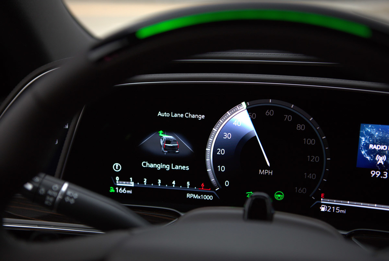 Cadillac adds automated lane change to Super Cruise