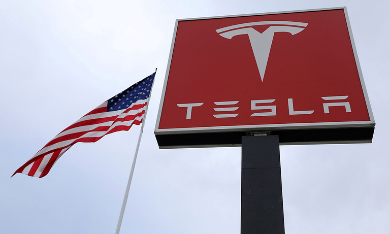 NHTSA to review petition seeking defect probe into 500,000 Tesla vehicles
