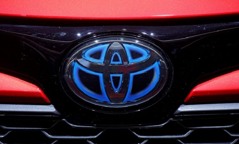 TOYOTA grille red rtrs web.jpg