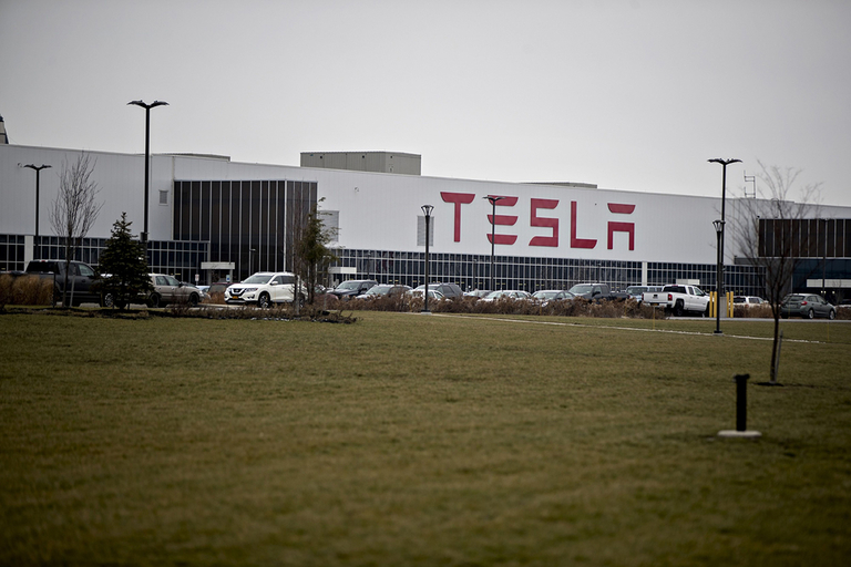 Tesla must hire about 360 people at N.Y. plant to avoid fine