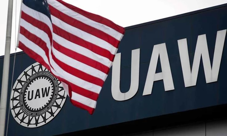 UAW cites 'difficult issues' as FCA contract talks continue