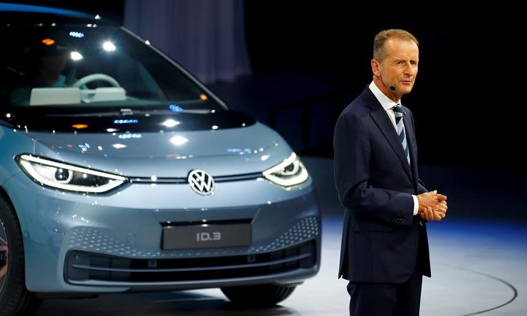 VW Diess ID3 Frankfurt show 2019.jpg