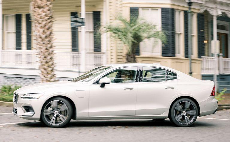 Volvo electrifies its full product portfolio