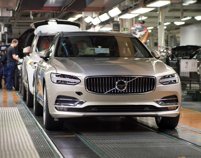 Production of the V90 at Volvo's plant in in Torslanda, Sweden.