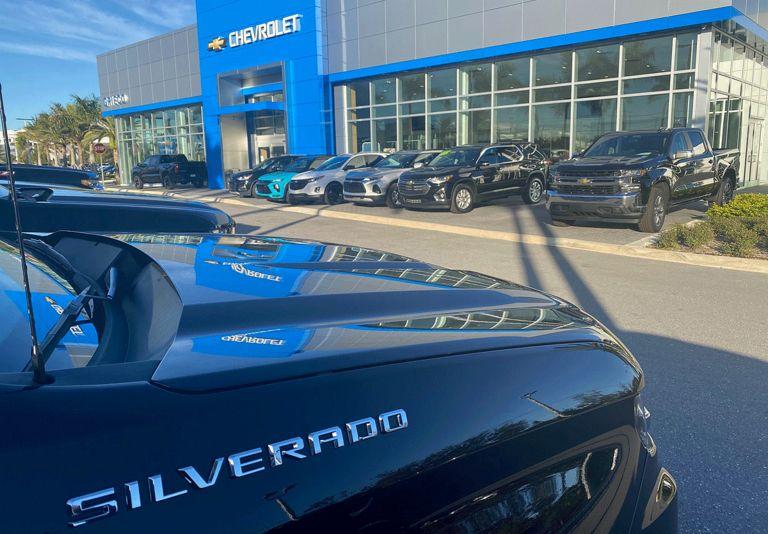 GM: Full-size SUVs power 4.8% advance in Q4