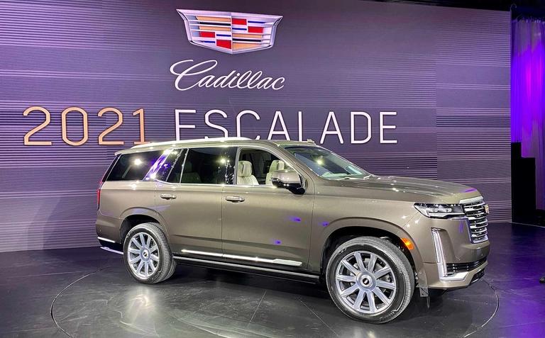 Cadillac's 2021 Escalade: Bigger footprint, display