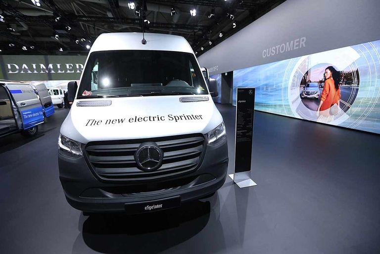 Mercedes readies eSprinter in 2 body sizes, 3 battery options
