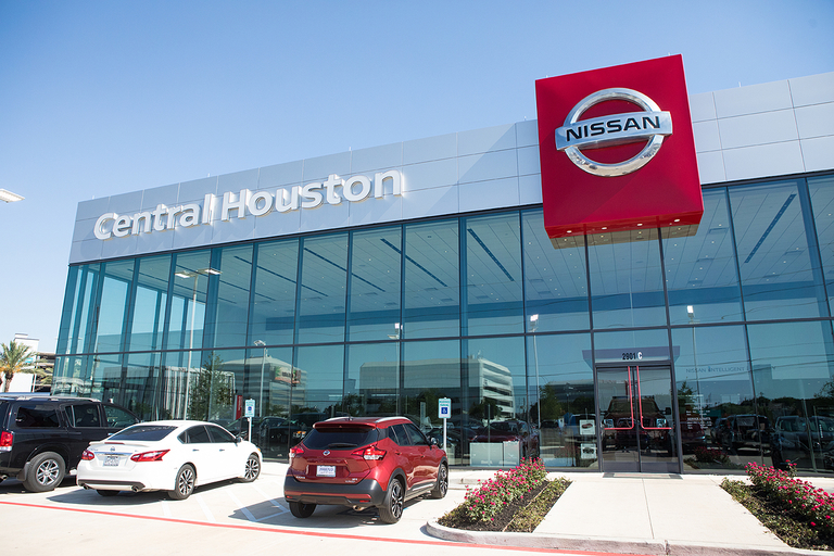 Nissan Houston