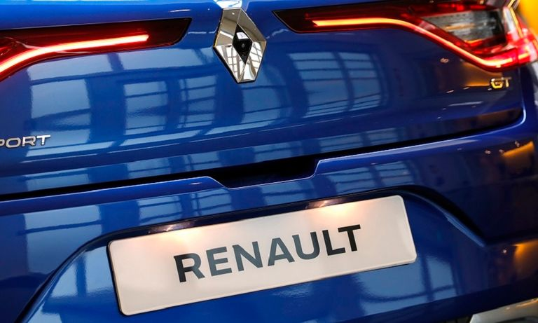 renault car rear rtrs web_0.jpg
