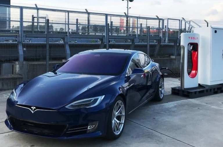 Tesla's Nürburgring run revs up debate over speed records