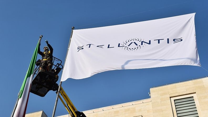 Stellantis flag web_0.jpg