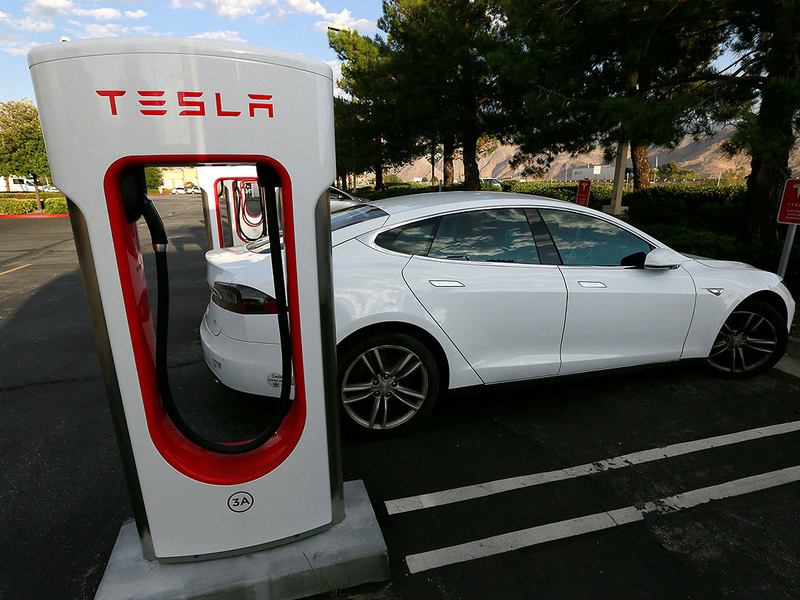 Tesla troubles expected to grow with Q1 report