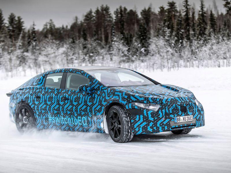 Mercedes readies flagship electric sedan with longer-range battery thumbnail