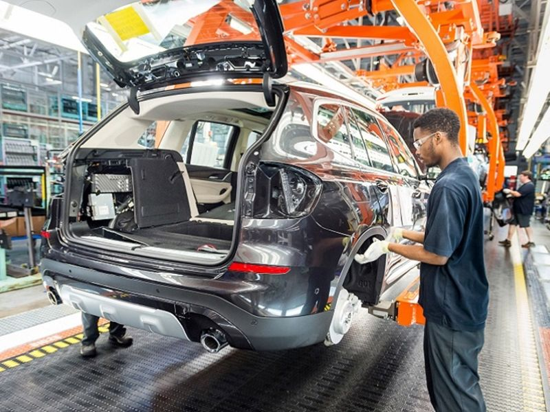 IHS Markit lowers global vehicle output forecasts amid supply chain crisis thumbnail