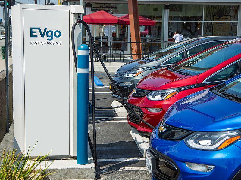 EV adoption may fall short of industry expectations, experts warn thumbnail