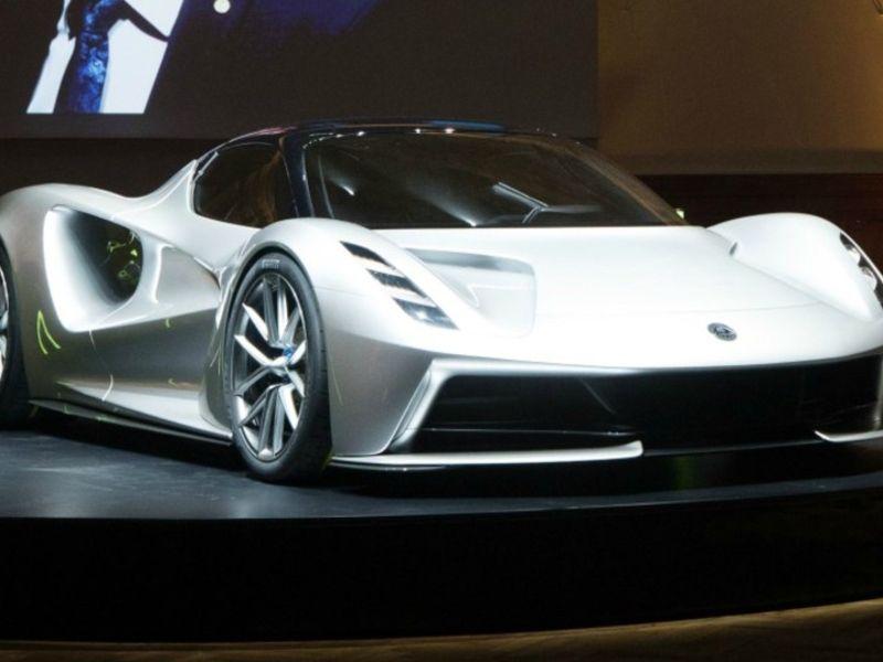 Geely's Lotus said to weigh raising $1B for EV shift thumbnail