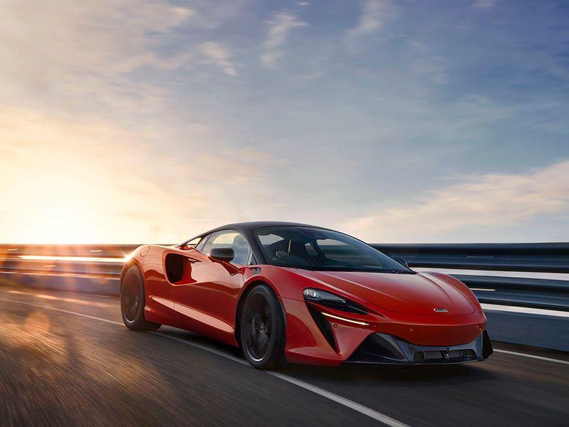 McLaren taps Chase as private-label finance partner thumbnail