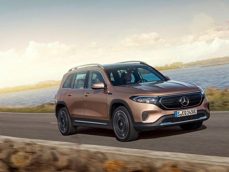 Mercedes adds boxy EQB to EV lineup thumbnail